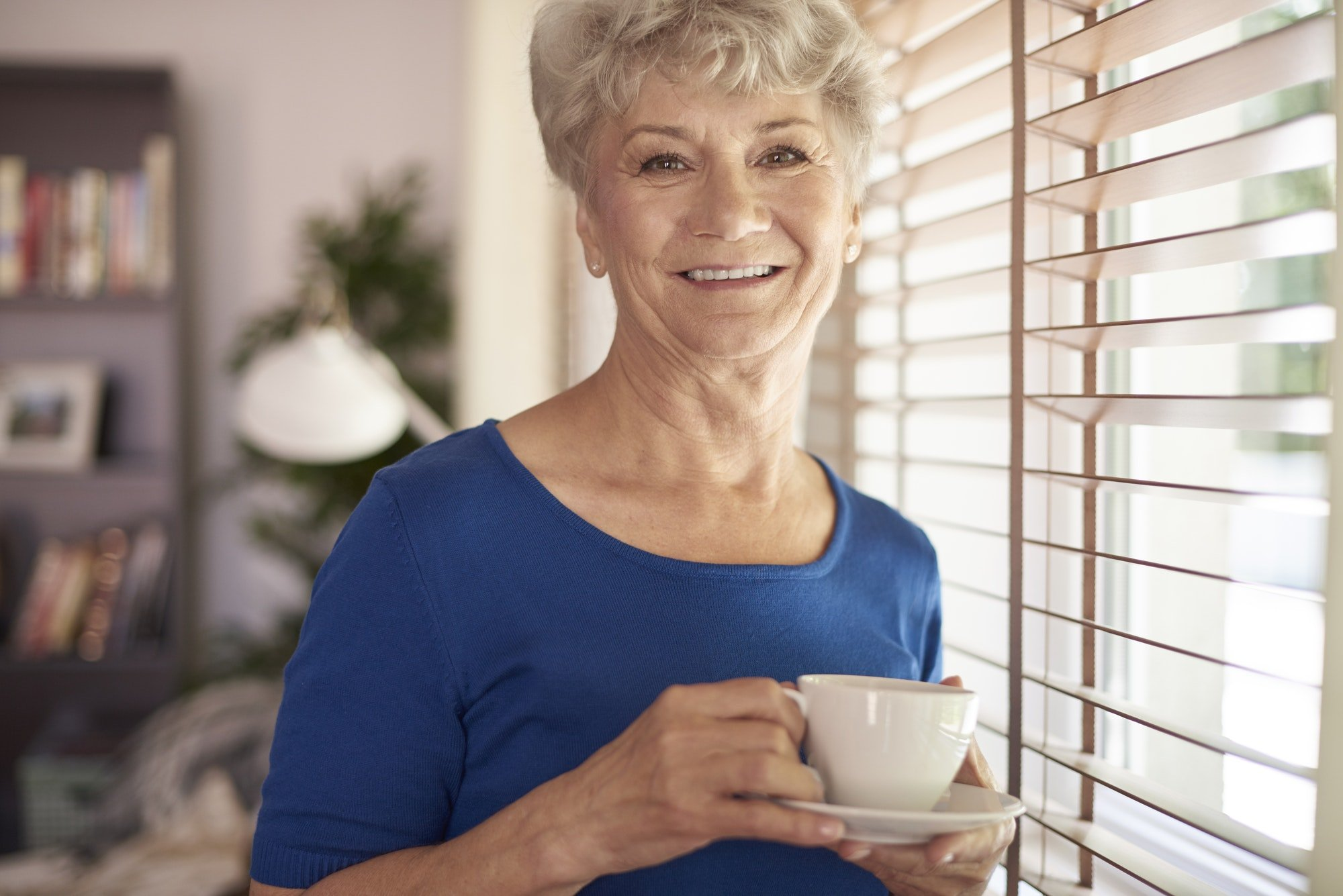 dental implants or dentures for 40 plus and seniors