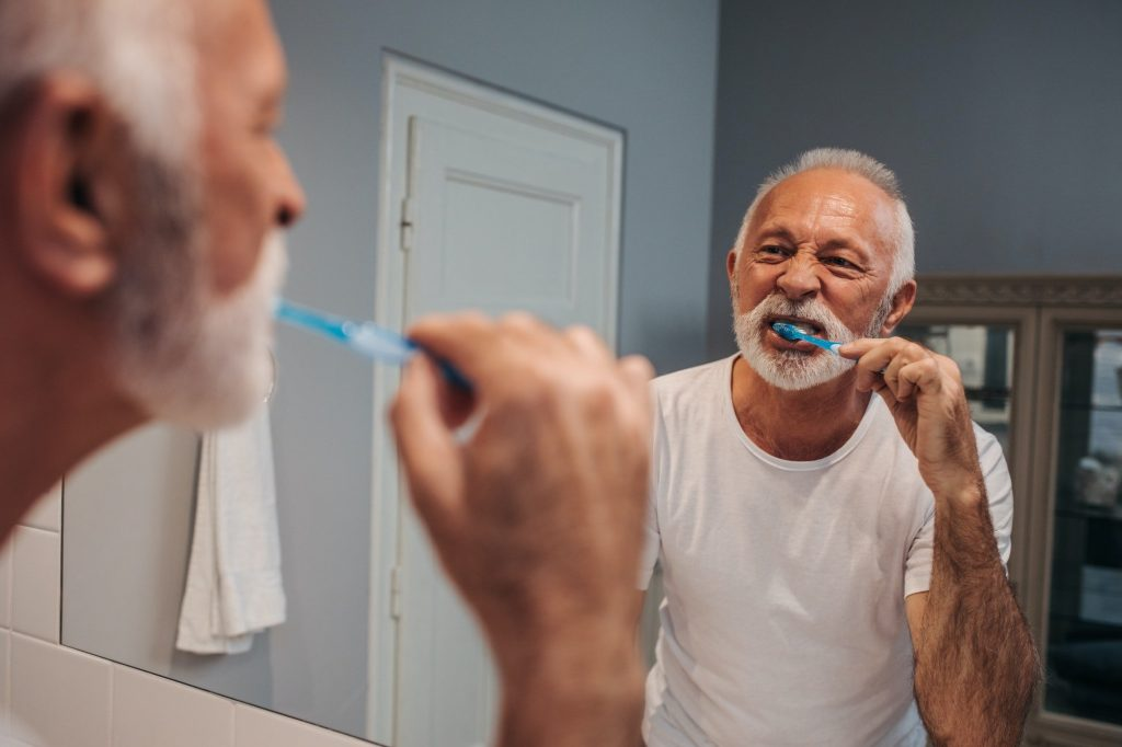Do people above the age of 40 need dentures